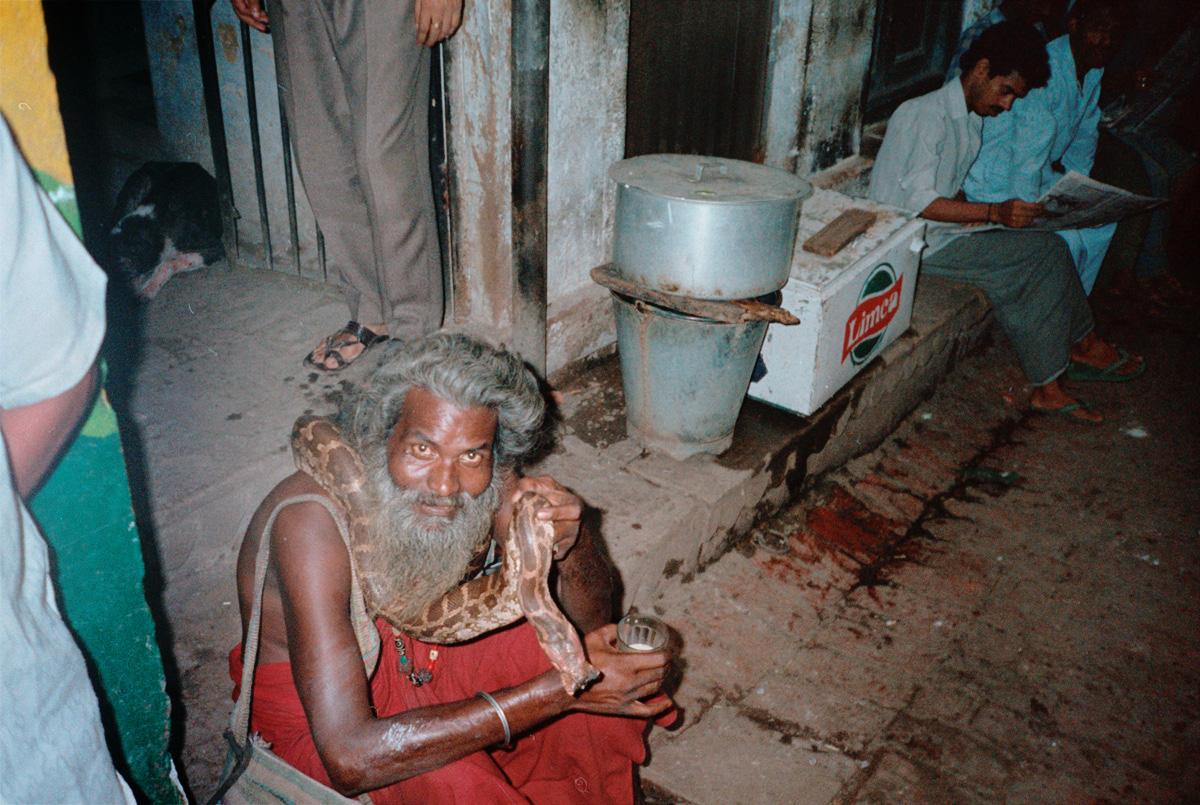 india-snake-man_1